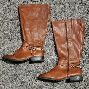 8W Brown Boots